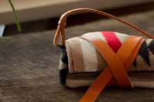 how-to: wool camera wrap