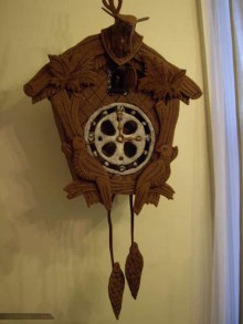 how-to: edible gingerbread cuckoo clock with internal gears