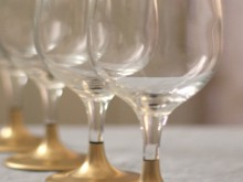how-to: gold dipped holiday glasses
