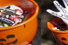 how-to: skeleton hand trick or treat bowl