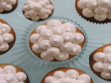 how-to: dotty cupcake decoration