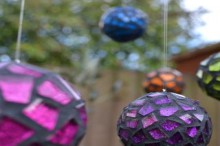 how-to: mosaic ball ornaments