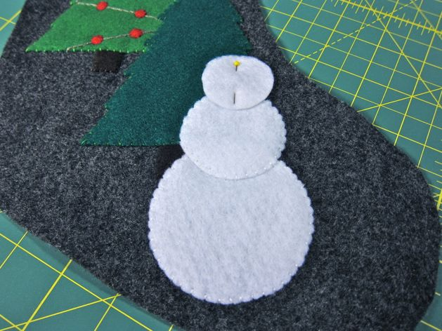Snowman_Stocking_Step11.jpg