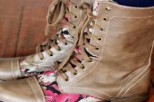floral boot diy
