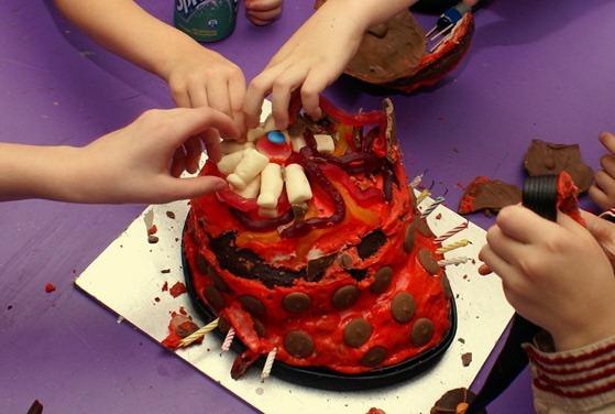 dalek_smash_cake_candy.jpg