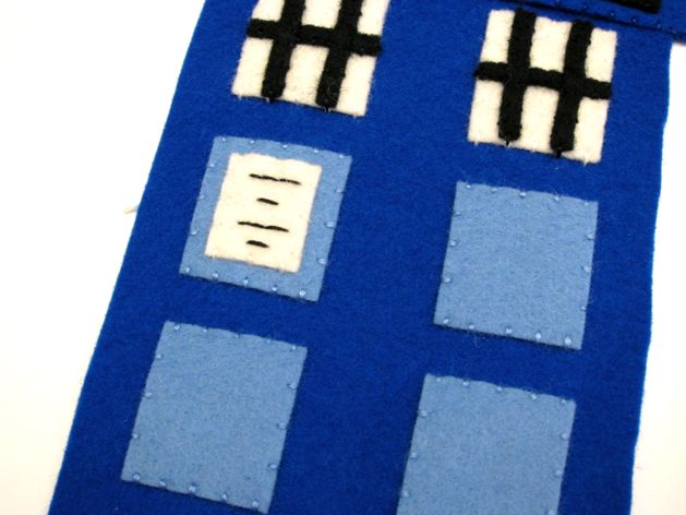 TARDIS_Phone_Charging_Station_Step06.jpg