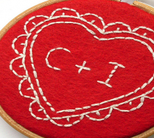 how-to: embroidered felt heart hoop