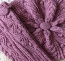 beautiful gift for women: knitting beret, scarf