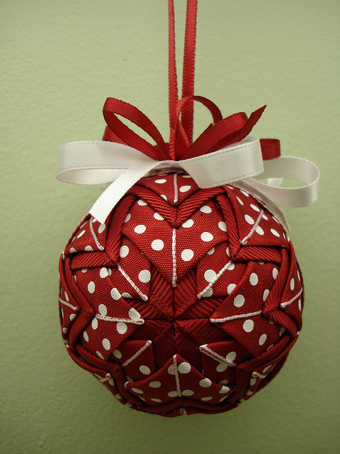 Christmas craft ideas christmas ornament video tutorial for Homemade christmas ornaments to make
