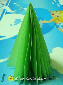 christmas crafts: paper christmas tree tutorial