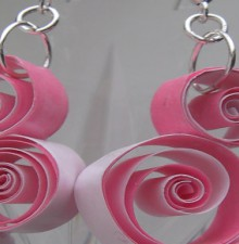holiday quilled earrring for christmas, valentine