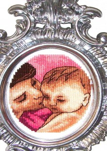 mother day gifts: mother and baby cross stitch
