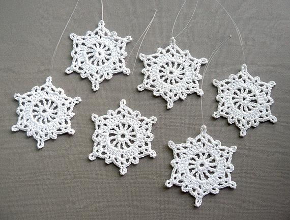6 Crochet Snowflake Ornaments -- Medium Snowflake T35, in White