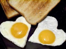 fried heart egg for valentine, video tutorial (5 minutes)