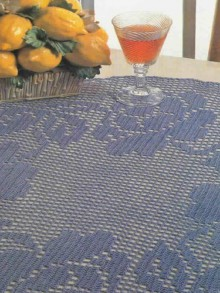 roses tableclothe for parties, crochet patterns