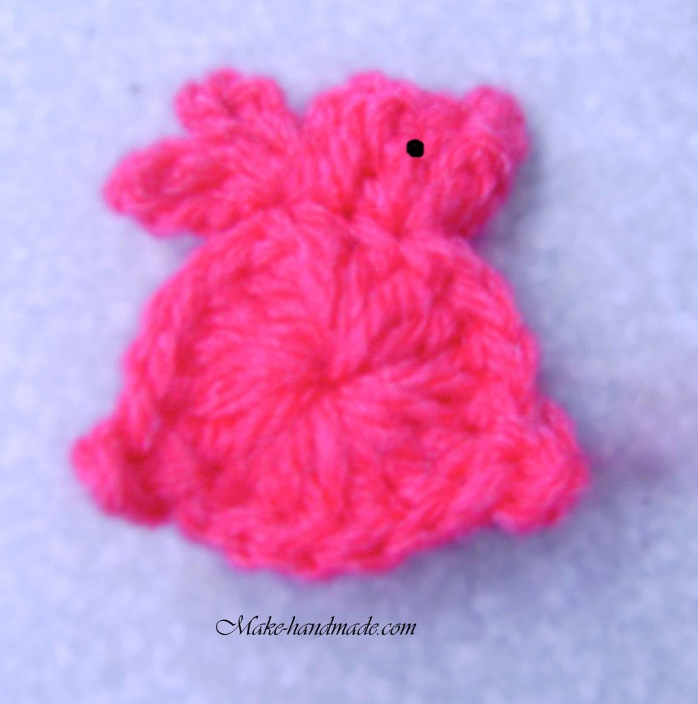 easter crafts ideas: bunny hair clip for a little girl