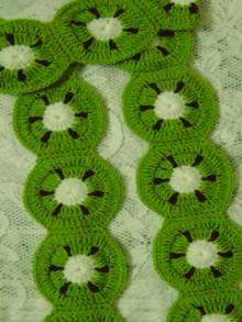crochet scarf for girls: kiwi scarf tutorial