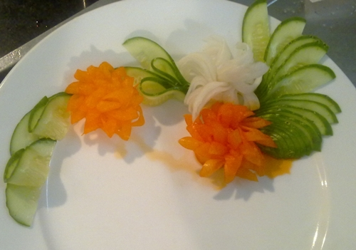 daisies from white radish and carrot