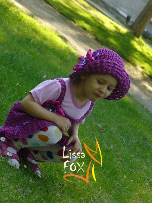 http://make-handmade.com/wp-content/uploads/2013/02/crochet-summer-hats-make-handmade-388455371_large_P1240631.JPG
