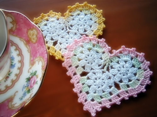 valentine craft ideas: crochet heart with circles