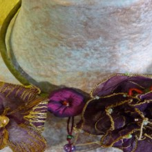 crafty jewelry: elegant crocheted ornaments! inspiring!