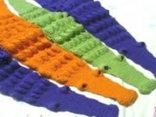 knitting crocodile scarf