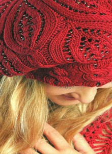 gift presents for women: charming beret for valentine, free knitting patterns