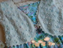 knitting flowers vest for girls