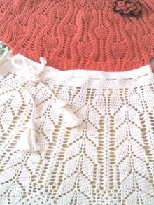 crochet baby skirt with leaves shapes