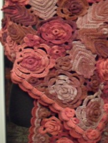 crochet flowers and leaves stole