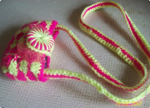 Вязание крючком: Детская сумочка для телефона Пряжа. Фото 1