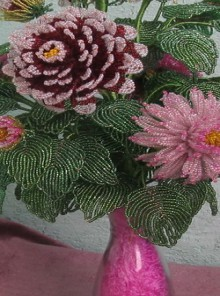 art: beading dahlia flowers