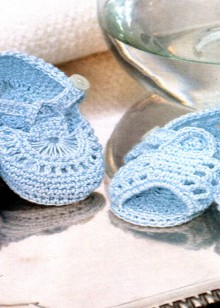 crochet baby booties and sandals
