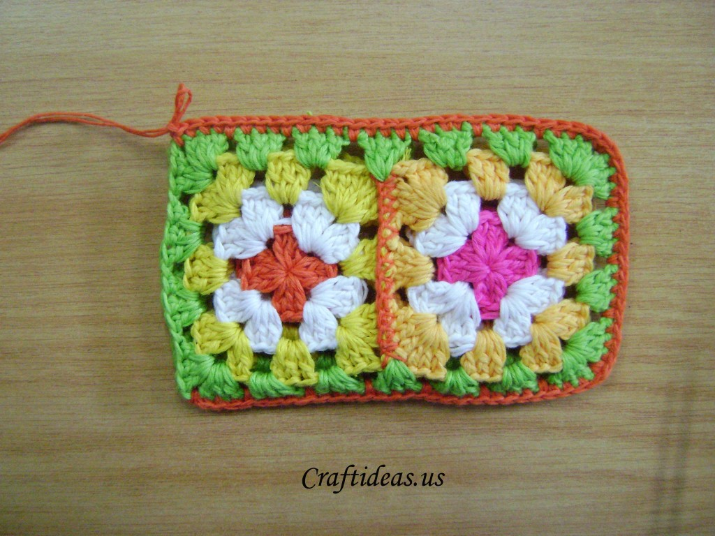 crochet mini phone bag
