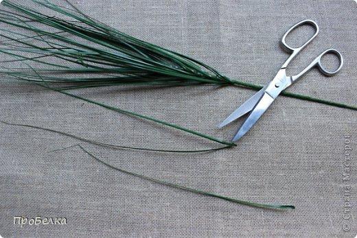 用小珠子串珠手工制作山谷的百合花图解教程