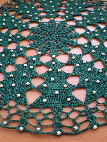 crocheted christmas tablecloth tutorial