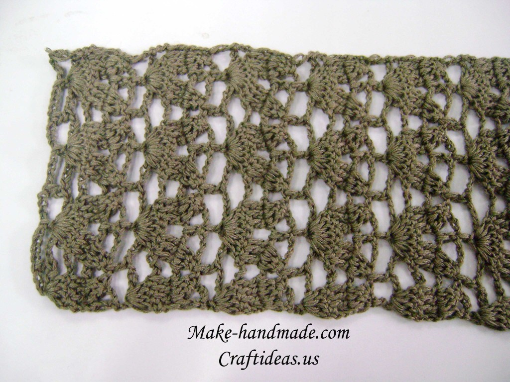 Crochet leaves scarf