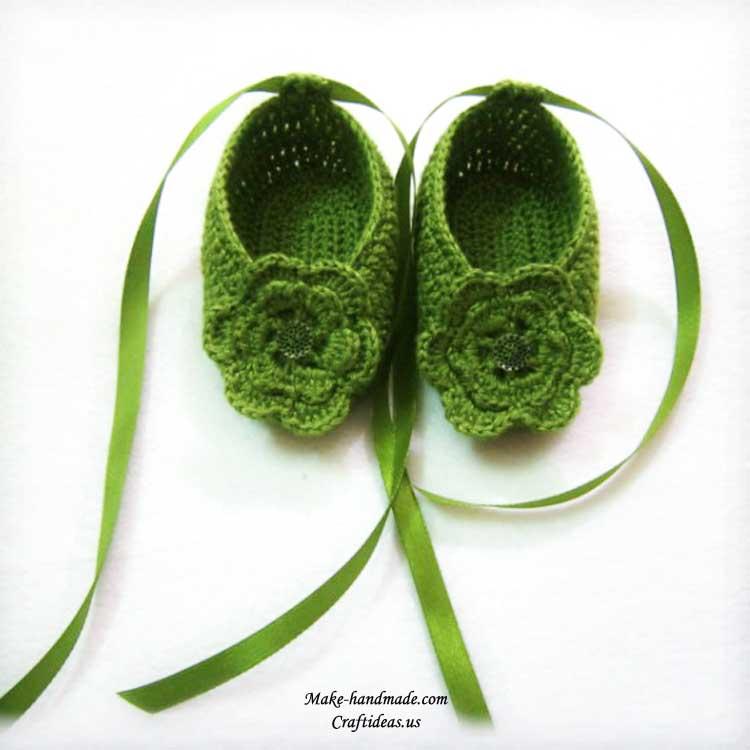 crochet baby booties 3