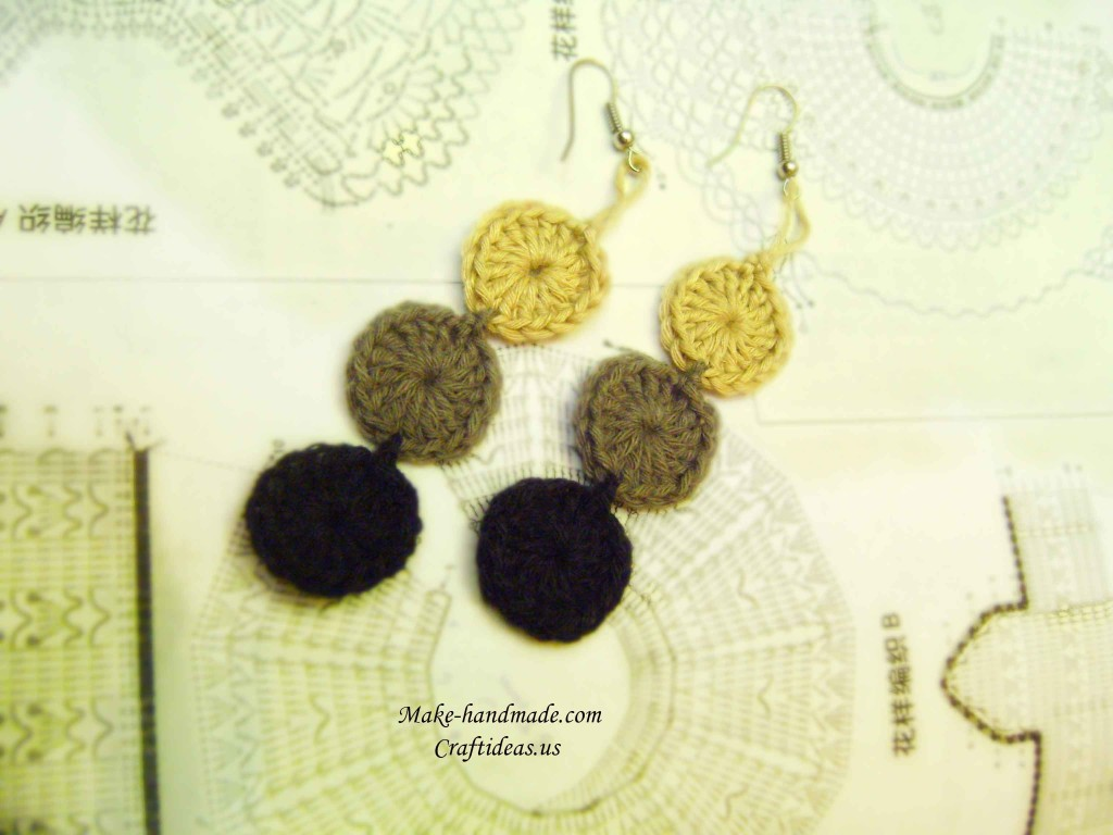 crochet earrings with circles