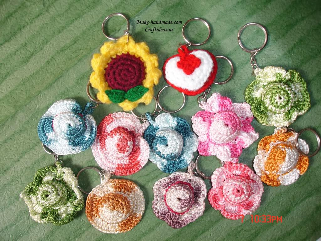 crochet flower and hats key chains
