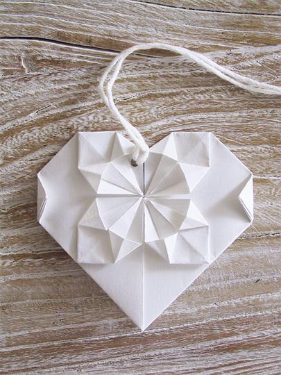 Make an origami heart - Kidspot | 540x405