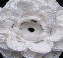 crochet beautiful flower for hats and fashion