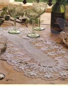 crochet daffodil tablecloth