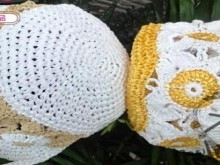 crochet summer hat with squares flowers