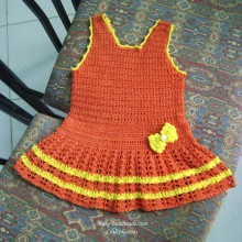 crochet cute baby dress with a bow